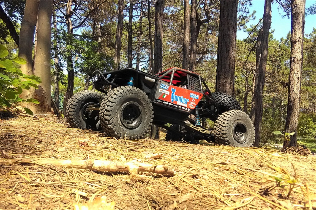 Bomber_Axial